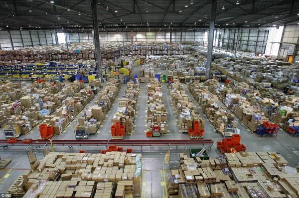 Hangar de stockage d'Amazon.com